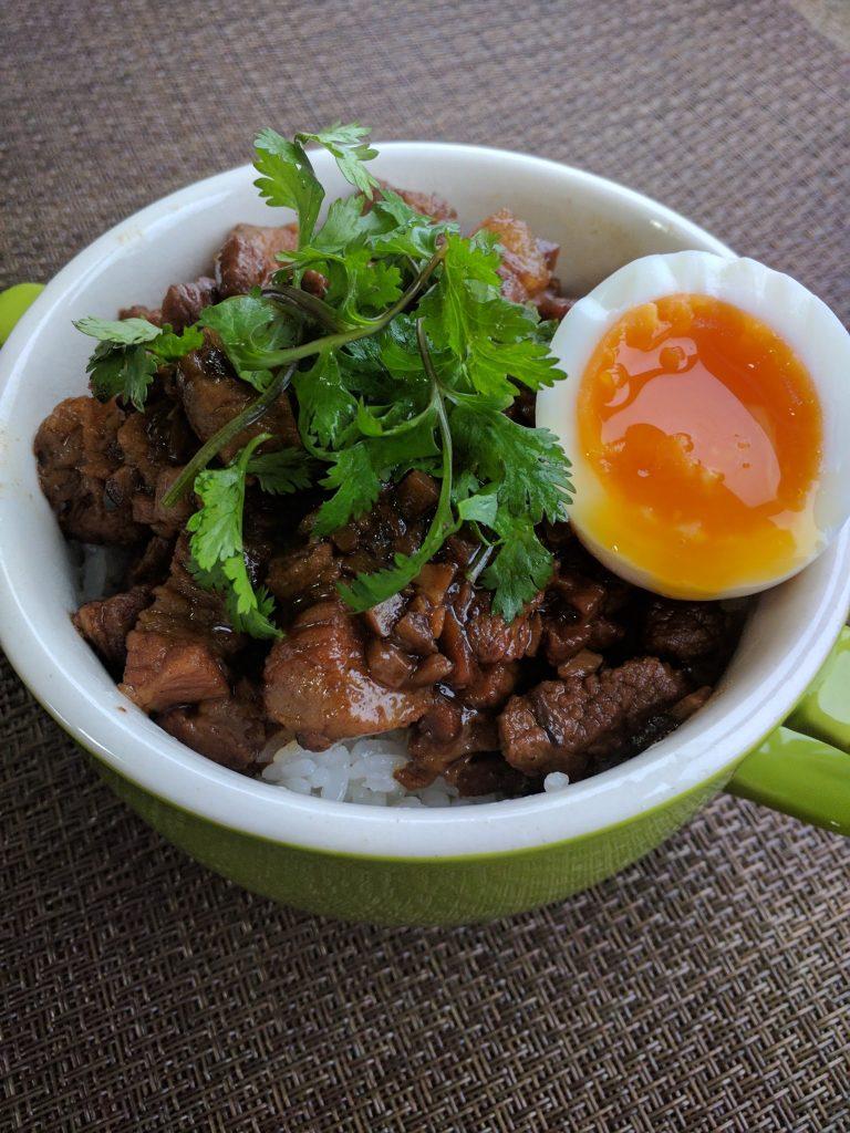 好好吃喔!(とてもおいしい)台湾の魯肉飯(ルーローハン)できました