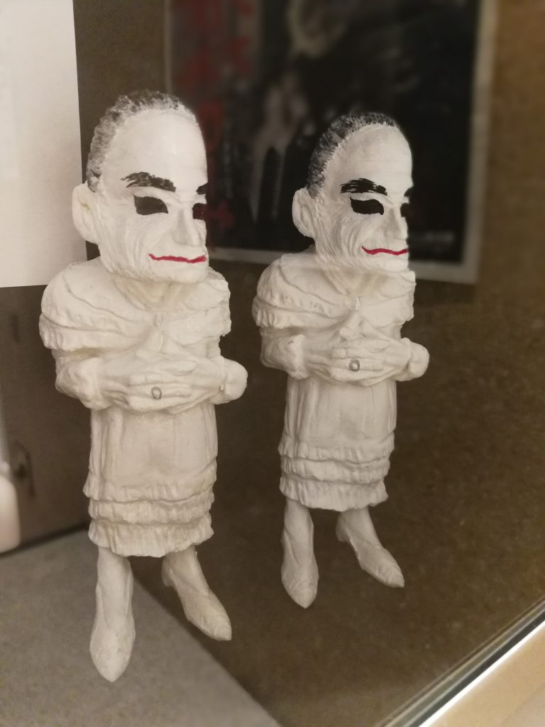 メリーさんの人形