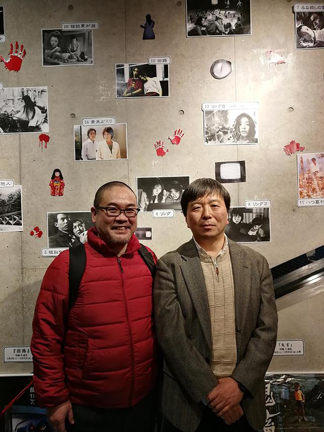 神保町シアターロビーで鶴田法男監督と記念撮影